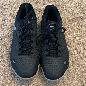 SC Under Armour Basketball Shoes Size 8.5